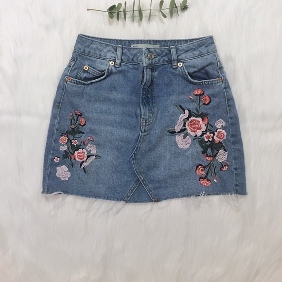 c8c75f83e3 Top shop Moto Flower Embroidered Skirt. M_5ab9dce1caab4427cafc0d4a